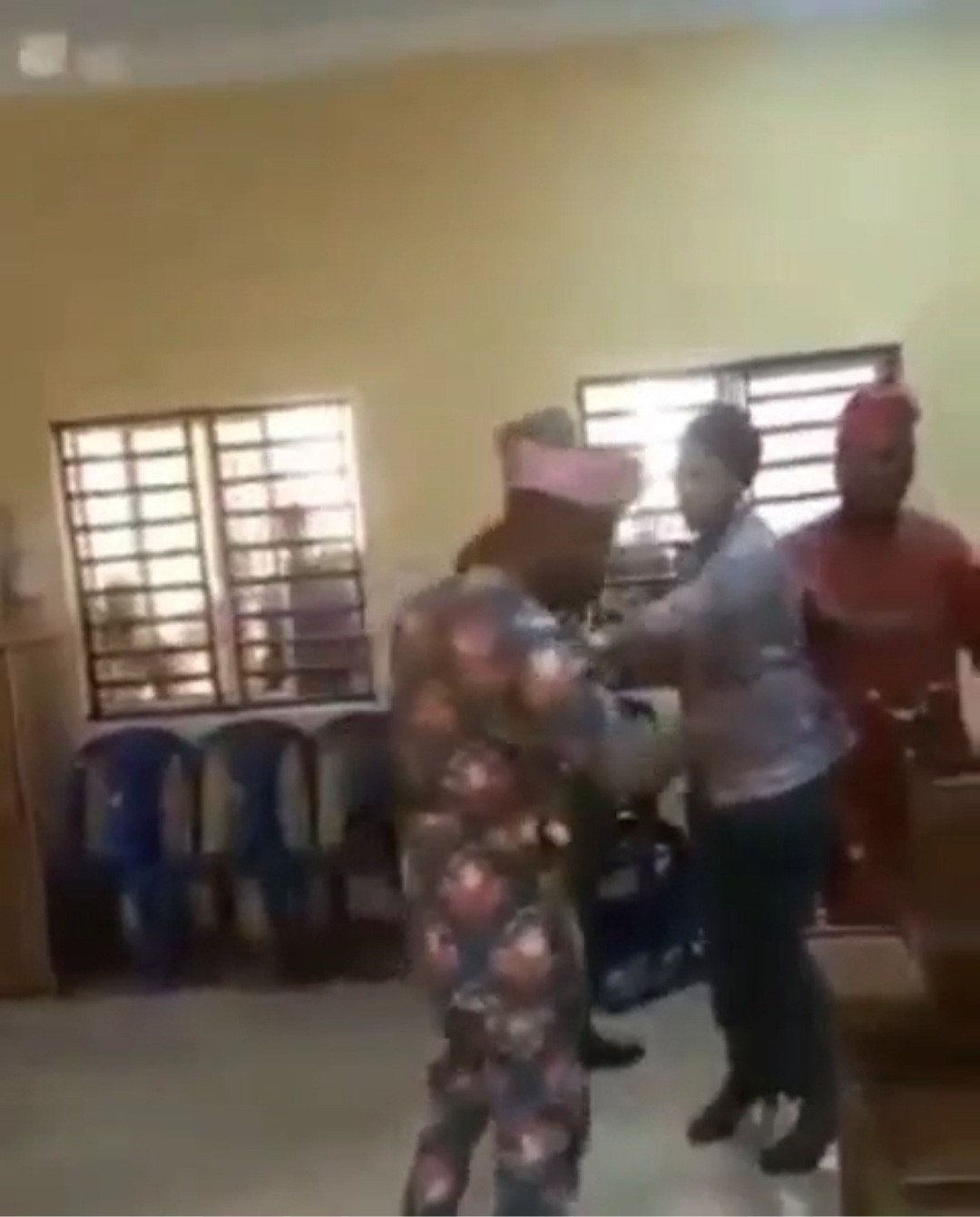 New Councilors Of Agbado/Oke-Odo LCDA Fight Over Electing Principal Officers Among Themselves