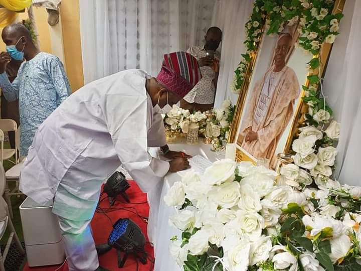 Amosun Pays Unexpected Condolence Visit To Gov Abiodun's Family