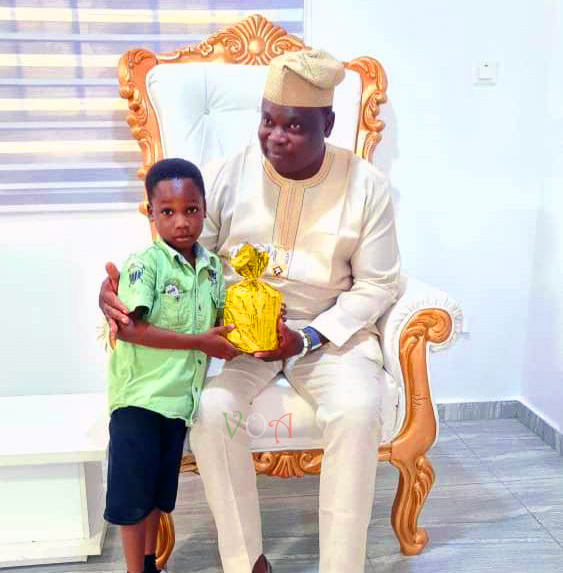 Six Year Old Boy Breaks His Safe To Get Olota A Birthday Gift