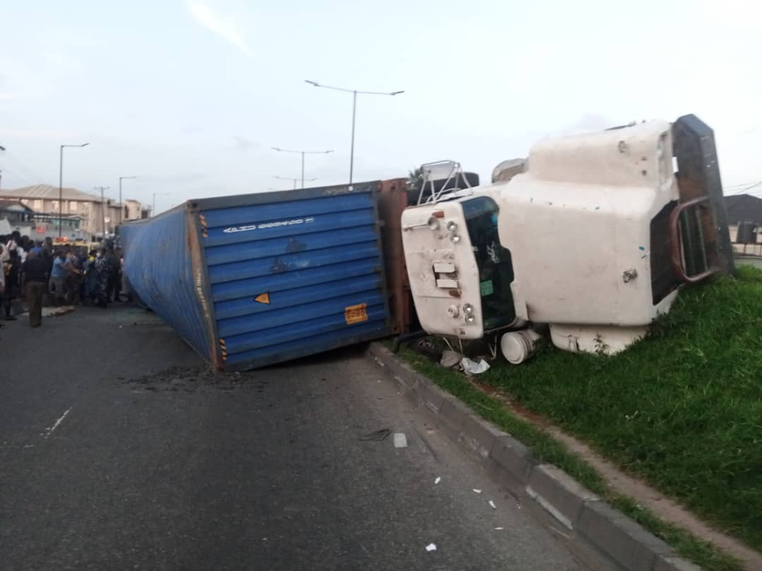 Containerized Truck Falls On Car With 4 Occupants At Ojuelegba